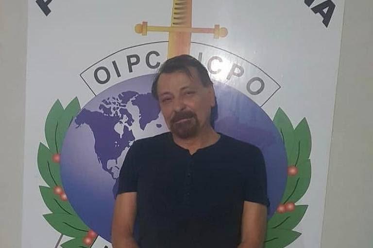 Polícia da Itália divulga imagens de Cesare Battisti ao ser preso na Bolívia