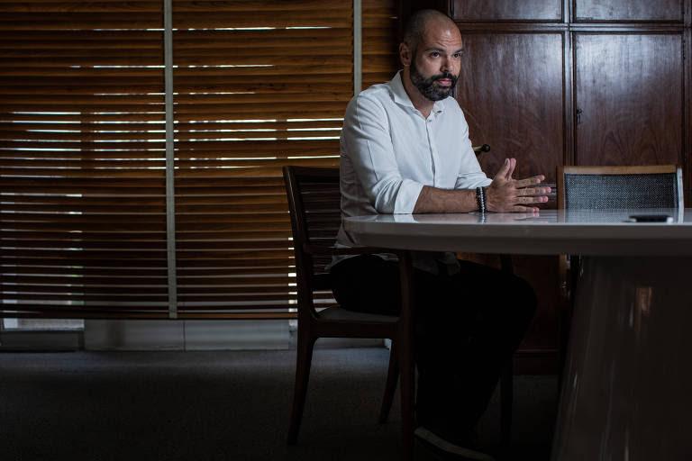 Em entrevista à Folha, prefeito Bruno Covas faz balanço de um ano de sua gestão