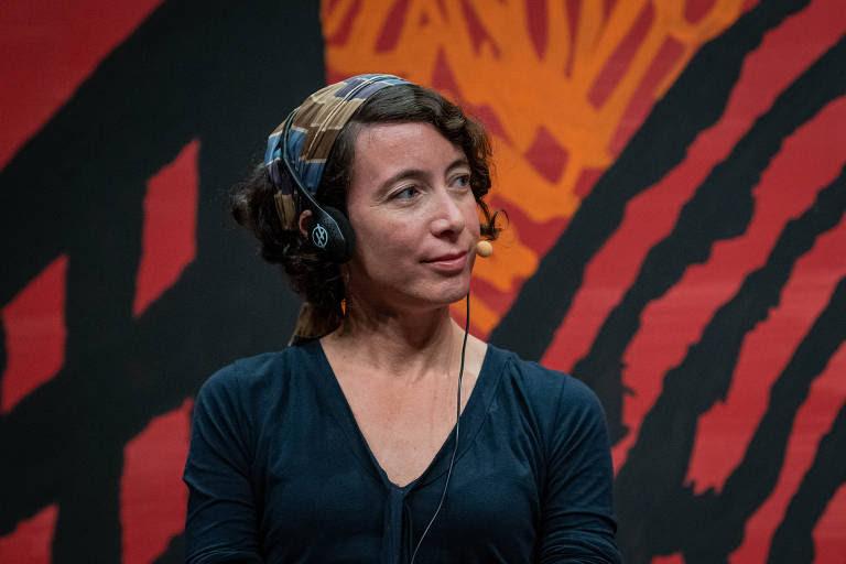 A escritora Ayelet Gundar-Goshen, durante a mesa 9 - Angico, como parte da Flip 2019, em Paraty
