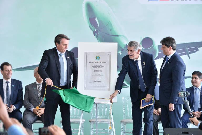 O presidente Jair Bolsonaro durante a inauguração do Aeroporto Glauber  Rocha, nesta terça-feira (23)