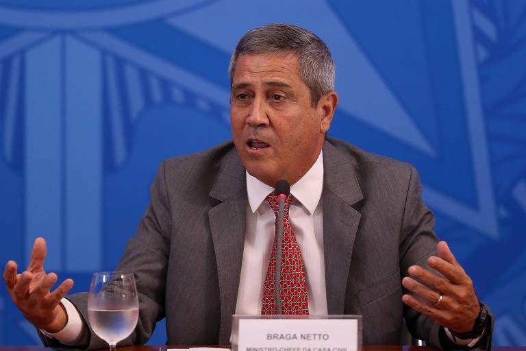 Braga Netto quer que o plano seja implementado por, ao menos, dez anos. No entanto, a ala militar diz que não se trata de um novo PAC (da ex-presidente Dilma Rousseff), porque corrigirá todos os desvios que levaram a um aumento do déficit público e à paralisia das obras previstas